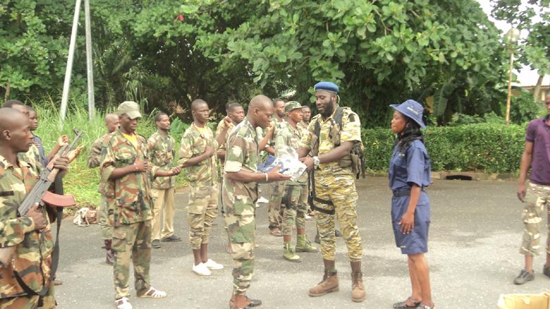 Cérémonie de remise symbolique de Kits aux ex-combattants ayant déposés les armes et encasernés